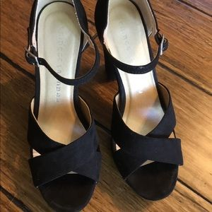 Chinese Laundry Black Suede Size 6 Heels